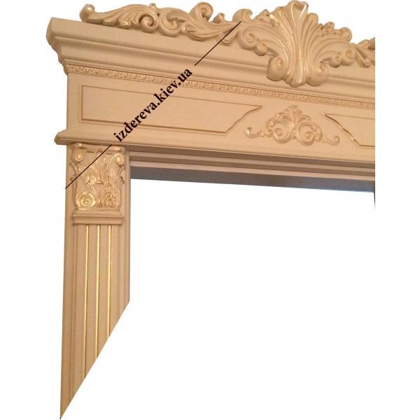 Деревянные двери с карнизами