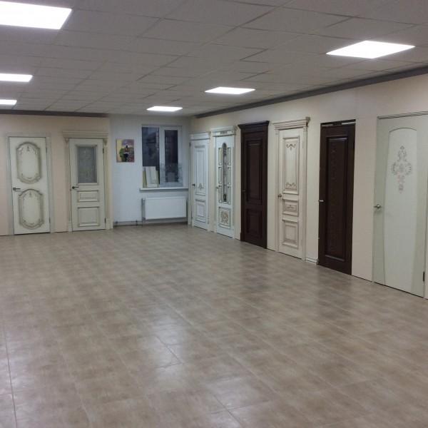 Дерев'яні двері виробництво Київ, Україна